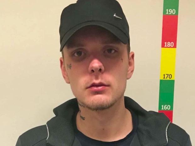 Viktor Larsson rånade och mördade Tobias, 18