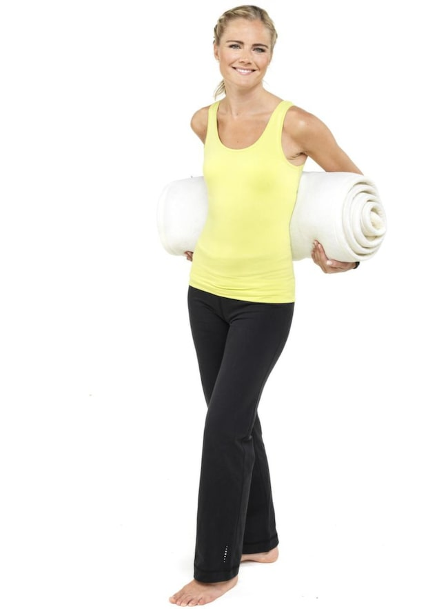 Madeleine Wilhelmsson gick in i väggen. Räddningen blev medicinsk yoga. <br>Nu följer tre enkla övningar.