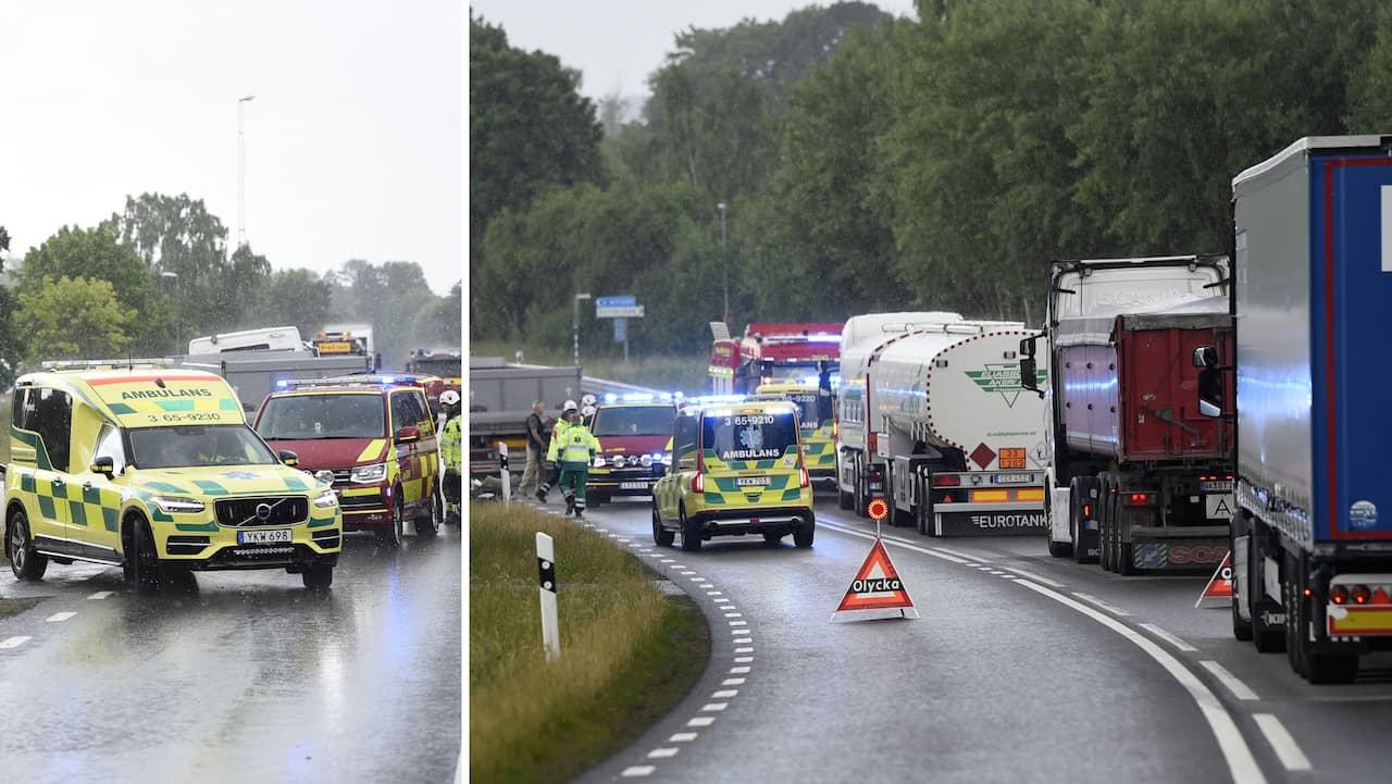 Kvinna omkom frontalkrock med lastbil