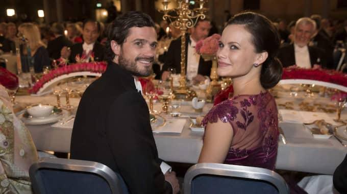 Carl Philip och Sofia på Nobelfesten förra året. Foto: David Sica