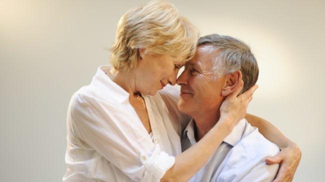 """""""Min man är 57 år och det har visat sig att han har högt blodtryck. Han har börjat med medicin, men vi har inte fått svar ännu hur det går. Vågar vi ha sex?""""."""
