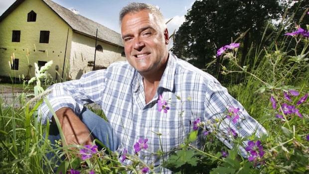 Ernst snickrar på kvarn i sommar