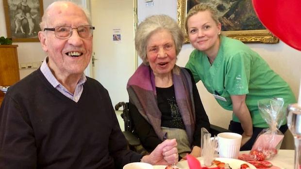 Oväntade överraskningen sprider stor glädje på äldreboendet