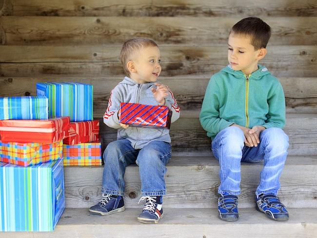 Yngre syskon som favoriseras av föräldrarna bildar ett starkare band till sina föräldrar.
