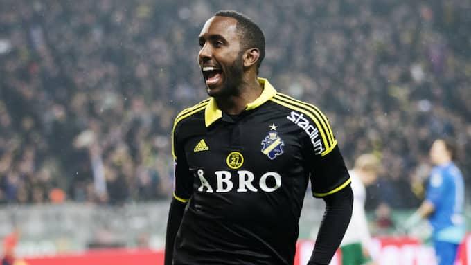 Henok Goitom i AIK-tröjan. Foto: Nils Petter Nilsson