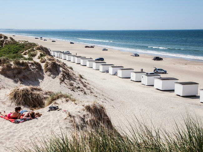 Oändliga stränder väntar de badsugna i Blokhus, en av Jyllandskustens många fina badorter.