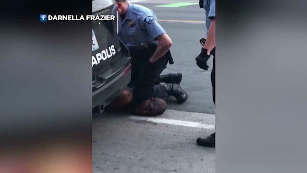 Protester mot polisvåldet - man kvävd till döds