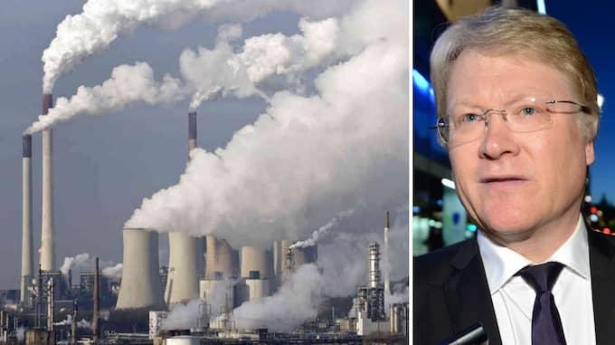 Ställd inför klimathotet förordar Kristdemokraternas nyvalda toppnamn Lars Adaktusson en politik som skulle medföra kraftigt ökade koldioxidutsläpp. Foto: OLLE SPORRONG EXP & MARTIN MEISSNER / AP
