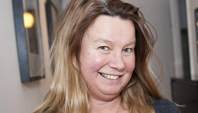 """Catarina Koppe, 48, tittar på en trea på Kungsholmen. """"När jag beräknar vad jag kan låna utgår jag från riksbankens nya prognos om ännu högre ränta om några år"""", berättar hon. Foto: Foto: Anna-Lena Mattsson"""