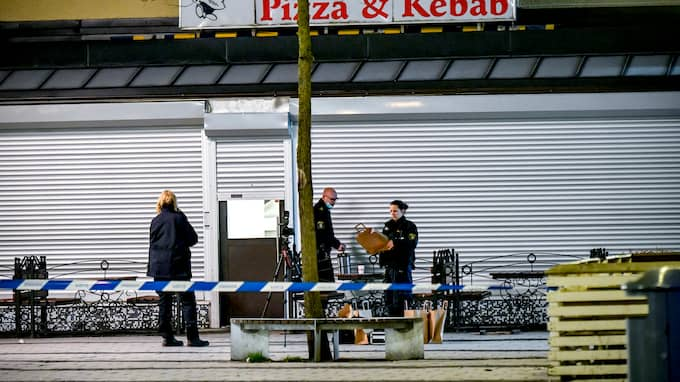 Ännu en person har begärts häktad för mordet på en pizzeria i Rinkeby den 8 januari. Foto: ALEX LJUNGDAHL
