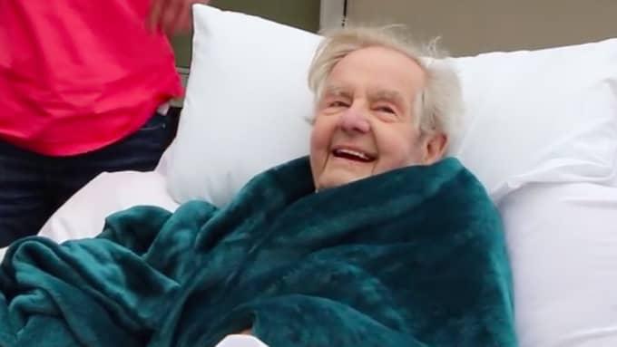 Hans glädje går inte att ta miste på. Foto: North Devon Hospice / Facebook
