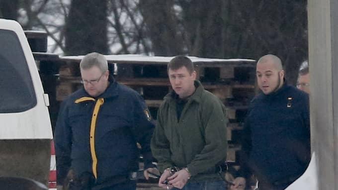 Nerijus Bilevicius vallades omkring på mordplatsen under hovrättsförhandlingen. Foto: ADAM IHSE / TT NYHETSBYRÅN
