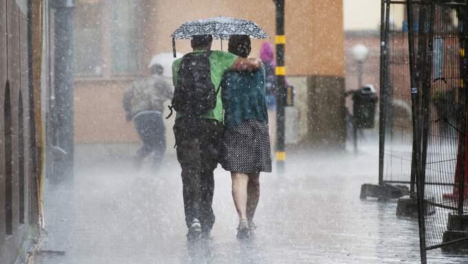 Regn är - tyvärr - inte ovanligt på sommaren. Foto: IZABELLE NORDFJELL / IZABELLE NORDFJELL EXPRESSEN