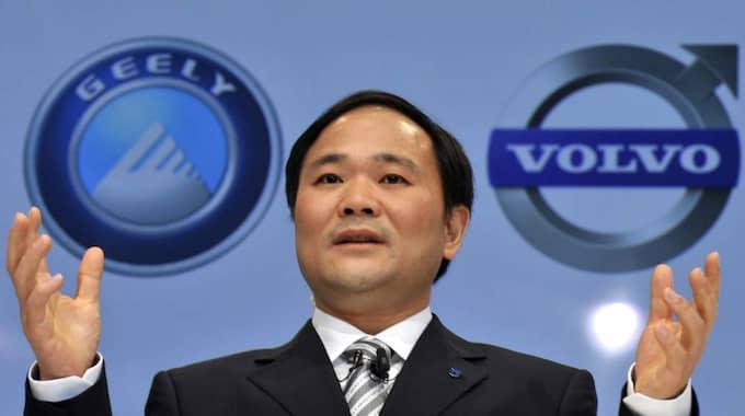 ÄGER VOLVO. 2010 kunde kinesiska Geelys styrelseordförande Li Shufu stolt presentera förvärvet av Volvo PV. Innan dess hade bolaget tillhört Ford i elva år. Foto: Wu Wei