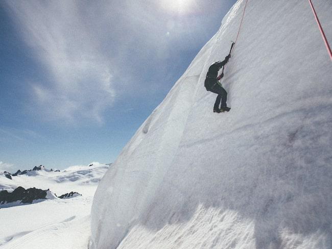 Hon har bestämt sig för att bestiga 49 bergstoppar över hela Europa på bara ett år.
