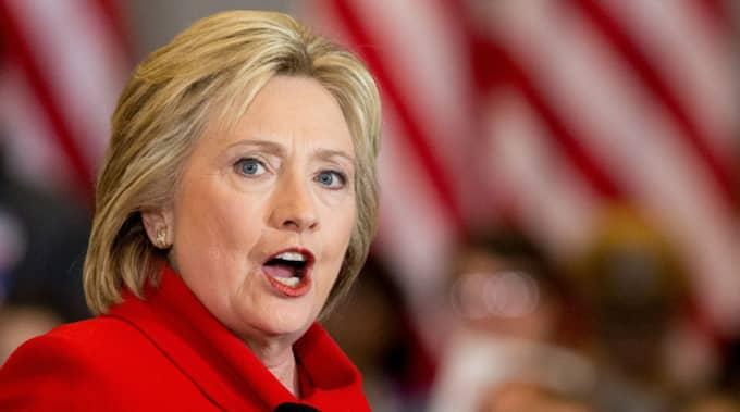 Hillary Clinton sa sig dra en stor suck av lättnad. Foto: AP/Andrew Harnik