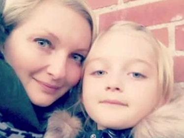 Isabella, 7, slängdes ner i kanalen av okänd man