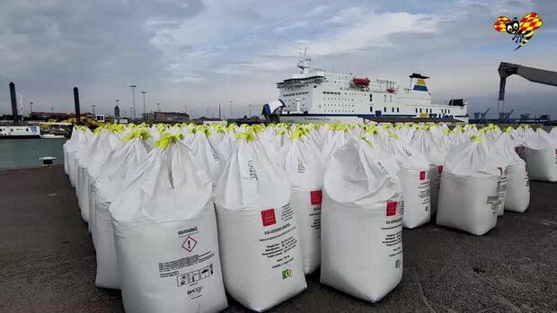Tonvis med riskabla kemikalier i Trelleborgs hamn