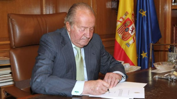 Kung Juan Carlos abdikerar