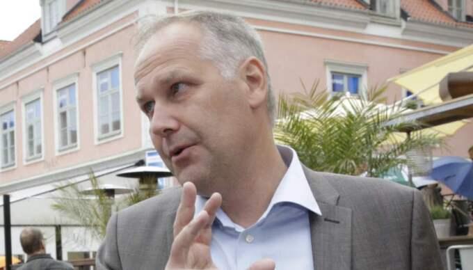 V-ledaren Jonas Sjöstedt vill satsa en miljard kronor på att anställda ska ta över vårdföretag. Foto: Cornelia Nordström
