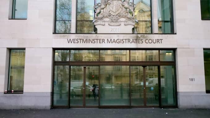 Affärsmannen Emil Amir Ingmanson stod i dag åter inför en domare i London. Nästa vecka avgörs om han ska släppas fri mot borgen. Foto: / KRISTOFER SANDBERG