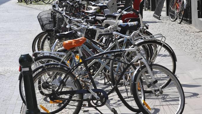 """""""Då kommer det cyklister i 100 knyck som tror benhårt att man ska stanna"""", skriver Glenn Hysén. Foto: CHRISTER WAHLGREN"""