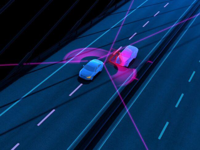 Nya XC60 styr tillbaka om en bil är på väg att passera bakifrån.