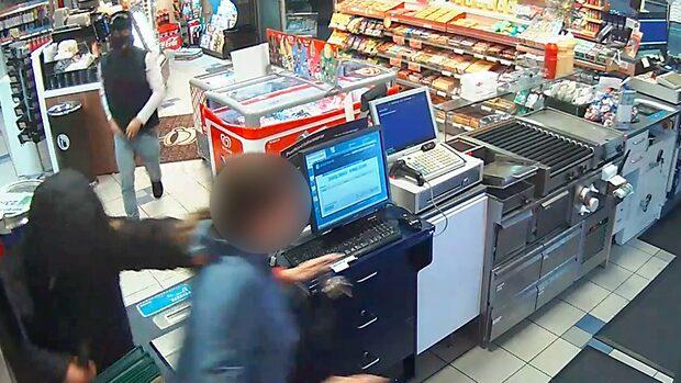 Här slår rånarna till mot OKQ8 i Kristianstad – med kofot och kniv