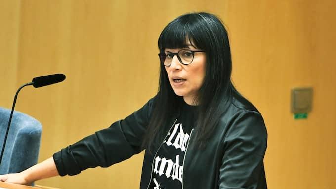Rossana Dinamarca meddelade att hon lämnar Vänsterpartiet den 4 februari. Foto: CLAUDIO BRESCIANI/TT / TT NYHETSBYRÅN