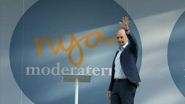 Reinfeldt får ut full fallskärm – 156 000
