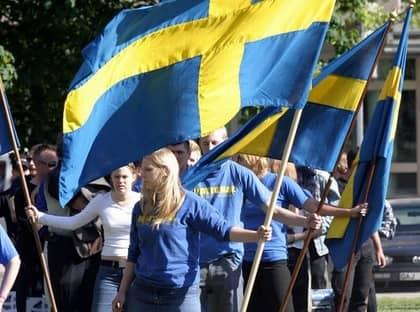 Nationaldemokraterna demonstrerar. Om KD får bestämma kan det bli olagligt. Foto: Johan Adelgren