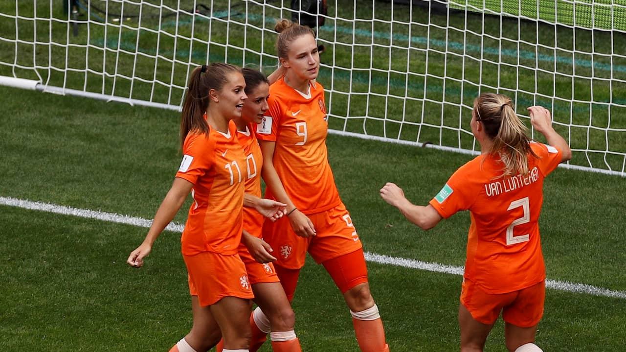 Hon skriver historia – i Hollands nya seger