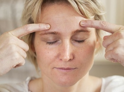 huvudvärk höger öga