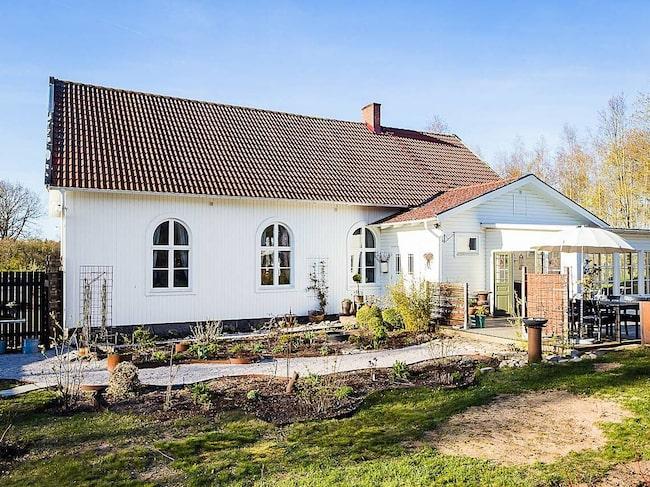Här är det – missionshuset från 1900-talets början som är renoverat på ett helt fantastiskt sätt.