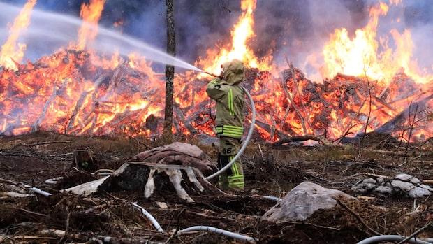 Flera bränder efter blixtnedslag
