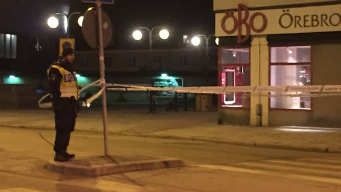 En man stacks ned i centrala Örebro Foto: Läsarbild/Tony Gransund