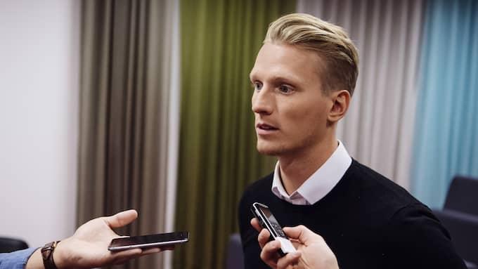 Klingberg på en NHL-pressträff i Stockholm under torsdagen. Foto: ERIK SIMANDER / TT