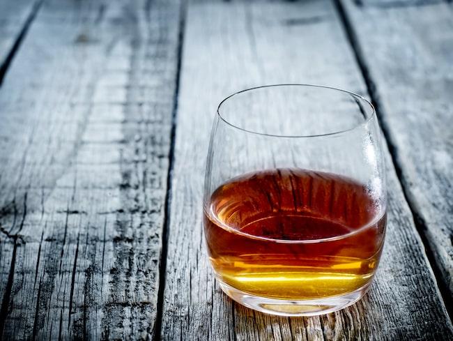 Whisky smakar allra bäst utspädd...