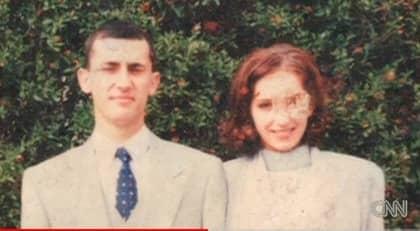 Paret Pawel och Ola bytte sida när de fick sanningen om sin släkthistoria. Foto: CNN