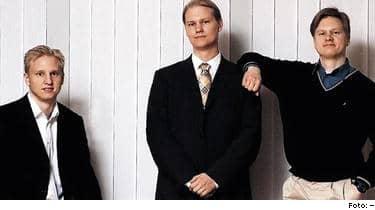 En fantastisk historia. Johan, Oscar och Karl Hörnell har tillsammans med pappa Erik gjort drömklippet. Pokersajten som började som en lek i pojkrummet värderas i dag till nästan fem miljarder. Nu säljer de företaget till ett av världens största spelföretag.