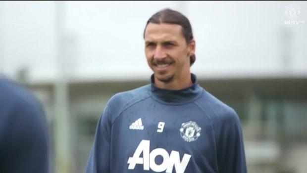 Uppgifter: United erbjuder Zlatan nytt kontrakt