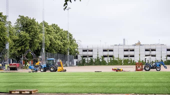 Nya träningsplanen när den var under uppbyggnad. Foto: Christian Örnberg / Bildbyrån