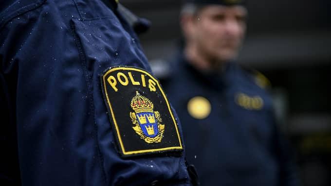Poliserna utsattes för mordförsök när en man siktade på dem med skarpladdat gevär. Foto: ALEX LJUNGDAHL / ALEX LJUNGDAHL EXPRESSEN