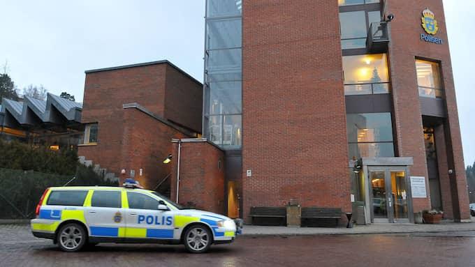 Enbart på avdelningen för brott i nära relationer i Stockholm syd finns 50 öppna våldtäktsärenden med utpekad gärningsman som ligger outredda på grund av resursbrist. Foto: JOHAN NILSSON / SCANPIX / SCANPIX SWEDEN