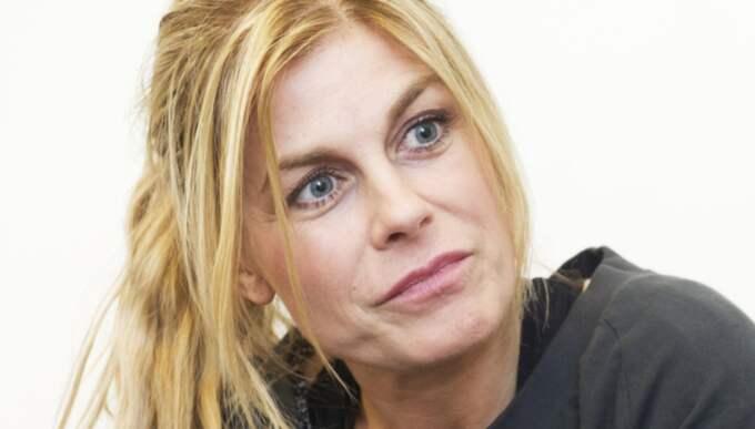 Mamma Pernilla Wahlgren finns alltid för Bianca. Foto: Olle Sporrong