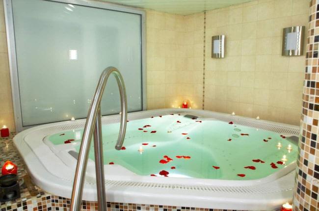 BADKAR. En lite lyxigare variant. Är du ute efter skön och mjuk avslappning, så kanske bubblor eller massagesystem kan vara något för sig.