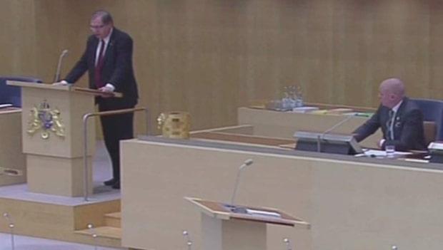 Här protesterar de mot Björn Söder (SD)