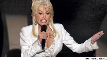 Sist Dolly Parton turnerade i Europa var på 70-talet. Biljetterna till konserterna i mars har blivit ett hett byte.