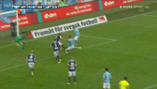 Här ger Rosenberg Malmö ledningen i tidiga seriefinalen