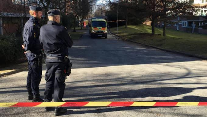 En brand utbröt i ett lägenhetshus i Landalabergen i Göteborg, strax före klockan 14. Foto: Joakim Magnå